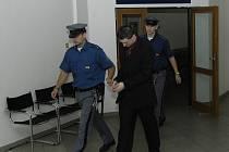 Bývalý policista byl za loupežná přepadení odsouzen ke 4,5 letům ve vězení