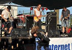 Kapela Bros N Beasts vystoupila již na letní verzi festivalu Kačeři.