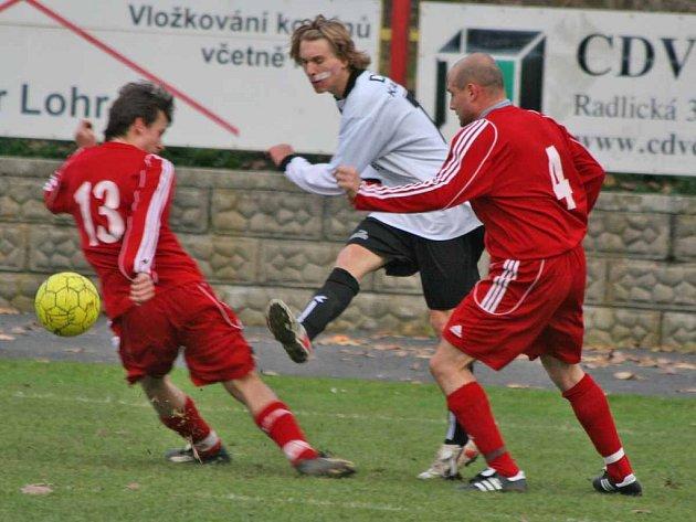 Fotbalisté Dobříše se loučili s podzimní části sezony na domácím hřišti prohrou 0:3.