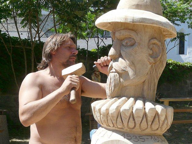 OBDIV rozhodně zaslouží socha rožmberského regenta Jakuba Krčína, kterou za tři dny dokázal stvořit v Obděnicích před kostelem Jan Busch. Radovat se z tohoto díla může městys Vysoký Chlumec.