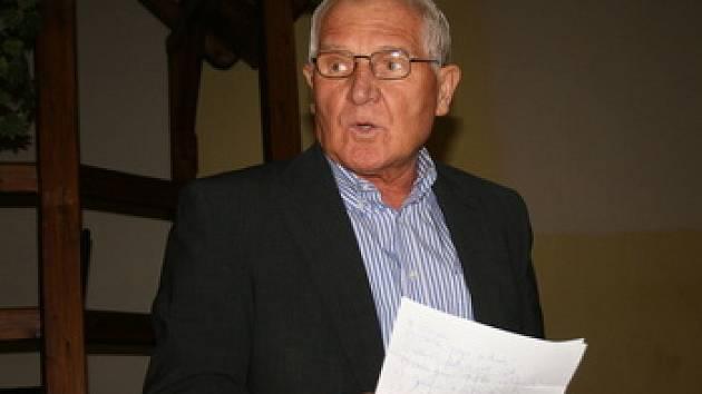 Josef Hadraba je dál šéfem středočeského fotbalu.