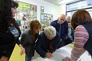 V sedlčanském gymnáziu se v sobotu potkávalo několik generací studentů. Škola si připomínala 70 let od svého založení.