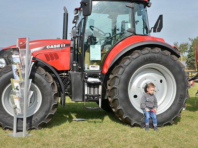 Březnická 'zemědělka' oslavila výročí. První studenty přivítala před devadesáti lety.