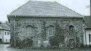Židovská synagoga, dnes je již opravena.