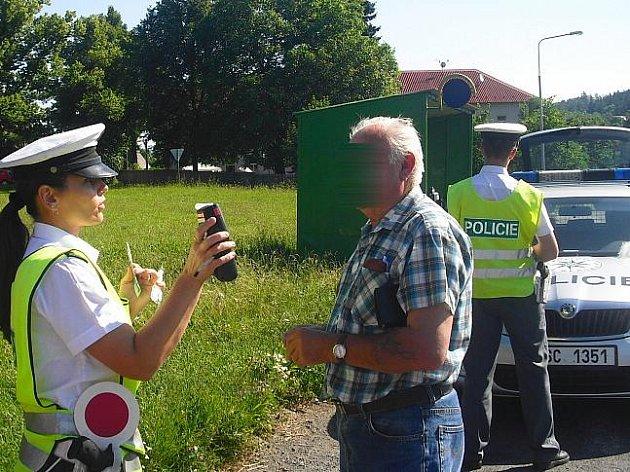 Děti s policisty v Bohutíně,