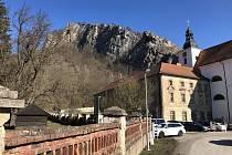 Svatojánská kolej ve Svatém Janu pod Skalou.