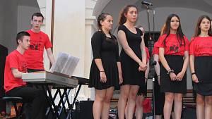 Koncert žáků All Hallows Catholic School na zámku v Březnici