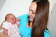 ANETKA HOŠKOVÁ se narodila v sobotu 19. srpna o váze 3,88 kg a míře 53 cm rodičům Kláře a Davidovi z Příbrami. Provázet dětstvím ji bude bráška Marek (2 roky).