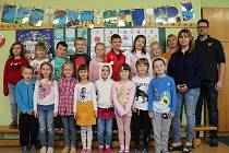 Prvňáčci z Nečíni ve školním roce 2019/2020.