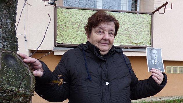 Fotografie  a vzpomínky Dagmar Jungmannová, dcera generála Karla Mareše, opatruje.