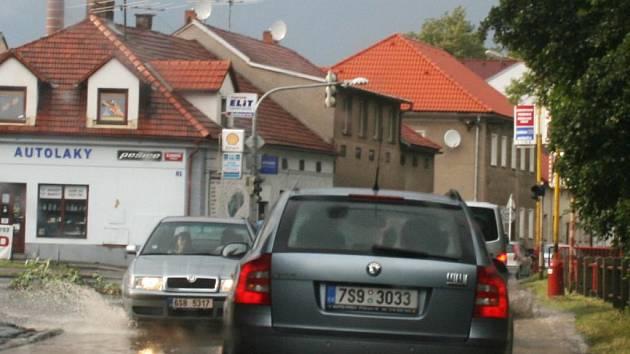 Úsek Březnické ulice kolem Q-klubu bude 24. listopadu od 17 do 21 hodin pro dopravu uzavřený.
