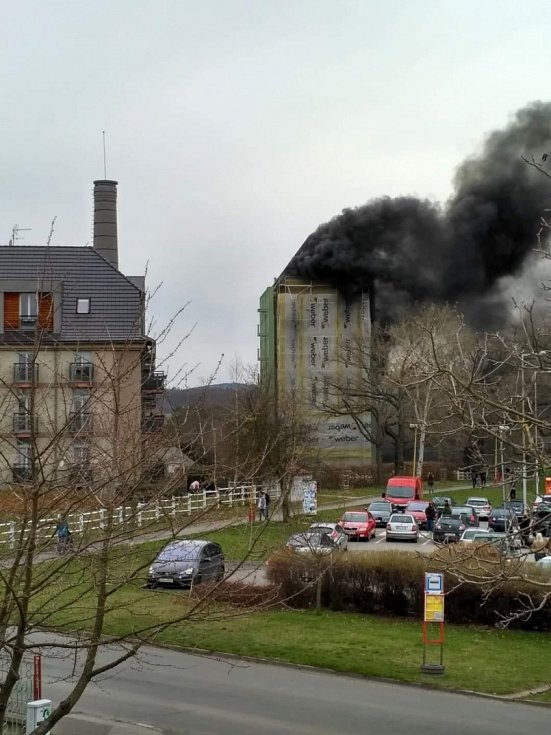 Požár hotelu v Dobříši.
