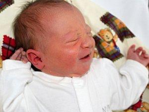Jáchym Janovský se narodil 2. ledna s váhou 3,6 kg a mírou 50 cm Lindě a Jakubovi z jelenců. Doma se na brášku těší sourozenci Jonáš, Jakub a Josefína.