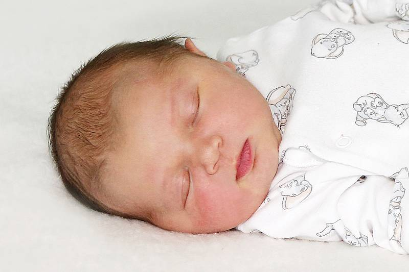 Ema Růžičková se narodila 6. září 2021 v Příbrami. Vážila 4220 g a měřila 53 cm. Doma v Nepomuku ji přivítali maminka Martina a tatínek Daniel.