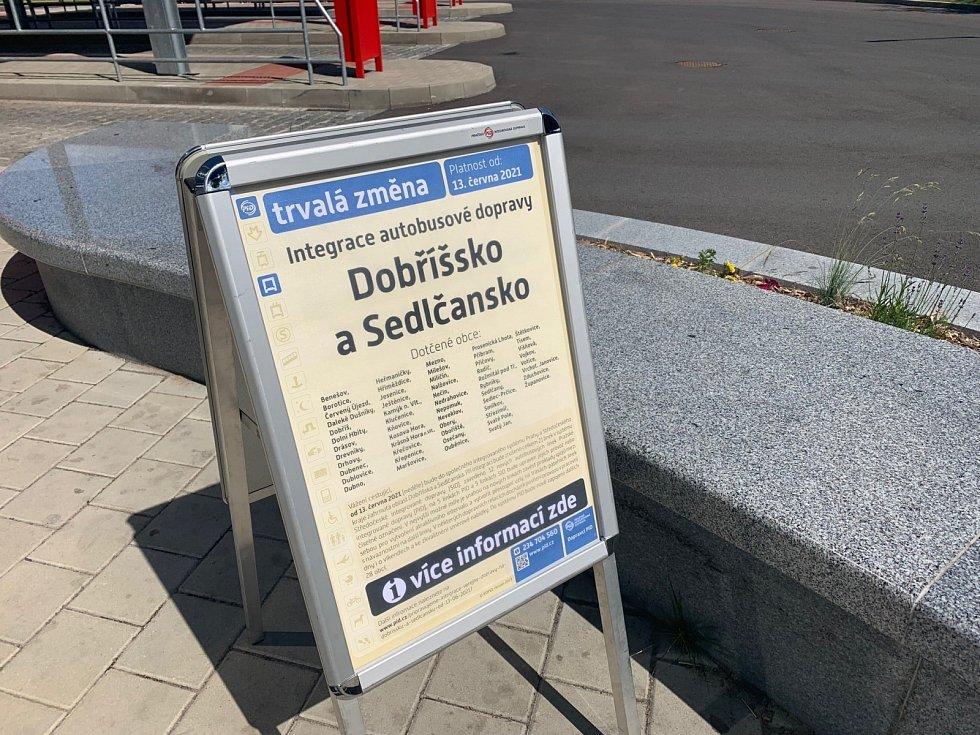 Autobusy jezdící v oblasti Dobříšska a Sedlčanska začleněny do systému Pražské integrované dopravy.