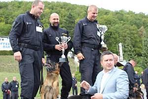 Od úterý do čtvrtka předváděli policejní psovodi svůj um, ve čtvrtek odpoledne následovalo slavnostní vyhlášení výsledků za přítomnosti ministra vnitra Jana Hamáčka.