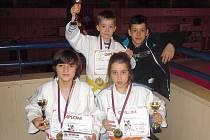Úspěšné žactvo Judo Příbram po turnaji v Jablonci.