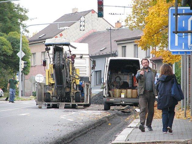 V Příbrami vládnul dopravní kolaps kvůli výměně plynovodu v ulici Kpt. Olesinského