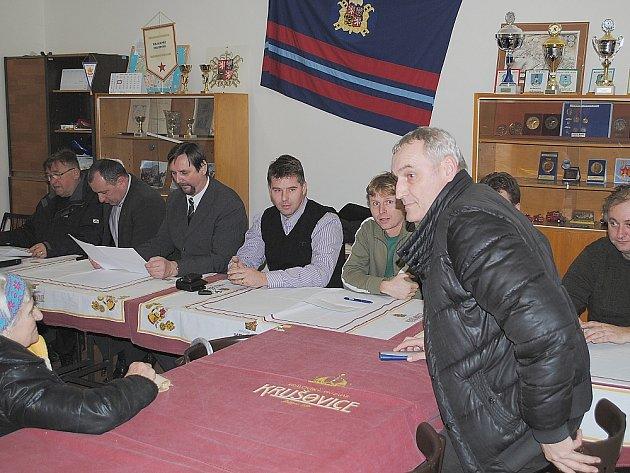Beseda s lidmi z Březových Hor o rekonstrukci Mariánské ulici.