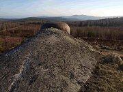 Pyrotechnici začali v dubnu čistit od munice Kolvín v Brdech.