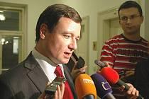 Jednání zastupitelů Středočeského kraje se neslo ve znamení urputné bitvy mezi opoziční ODS a vládnoucí ČSSD.