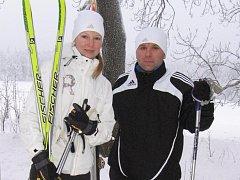 Petr Chaluš a Soňa Kalatová z Plzně vyrazili na běžky na Teslíny.