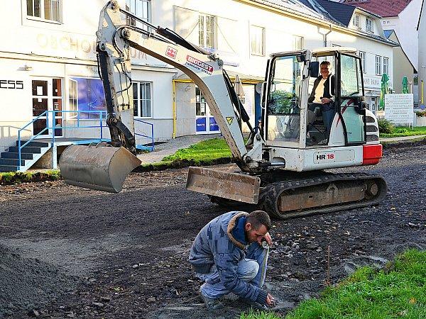 Oprava ulice Zdeňka Vojíře potrvá ještě dva týdny.