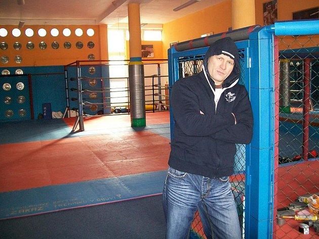 Ladislav Erdelyi v novém centru bojových sportů.