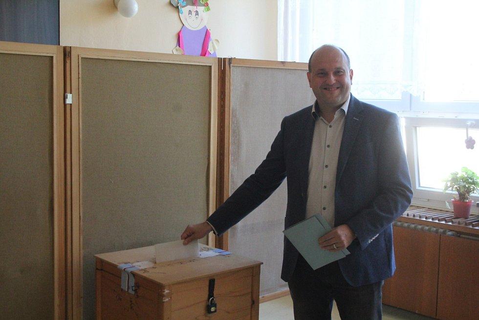 Odvolili už i někteří příbramští zastupitelé jako například Petr Rotter.