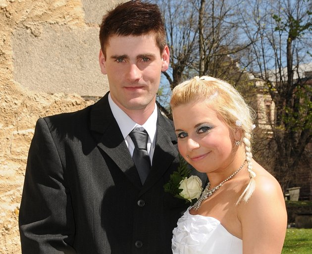 V pátek 27. dubna si na Zámečku v Příbrami hodinu před polednem dali manželský slib  Veronika Řehková a Martin Wogeltanz.