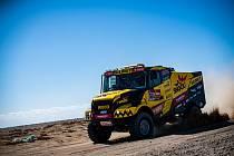Sedlčanský závodník Martin Macík se svým kamionem dál bojuje s nástrahami Dakaru 2020