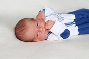 Šimon AUST se narodil 30. dubna s váhou 3,55 kg a mírou 50 cm Janě a Milanovi z Dobříše. Foto: František Gahler