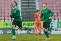 Nefalšovaná radost. Příbramský fotbalista Radek Voltr (vlevo) slaví svůj první gól po návratu na ligové trávníky. Dal ho do sítě Mladé Boleslavi.