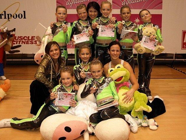 Tým dětí 8 - 10 let Sportklubu Oxygen byl v kategorii fitness step první.