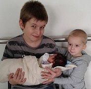 Charlotte Zimmermannová se mamince Lucii a tatínkovi Filipovi z Příbrami narodila ve středu 23. března, vážila 3,44 kg a měřila 51 cm. Radost z malé sestřičky mají jedenáctiletý Míla a tříletý Filip.