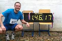 Lukáš Nohýnek po půlmaratonu v Dobřichovicích.