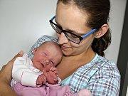 ANIČKA KOPIČKOVÁ se narodila v úterý 5. září o váze 2,56 kg a míře 47 cm rodičům Ivě a Ladislavovi z Příbrami jako jejich první miminko.
