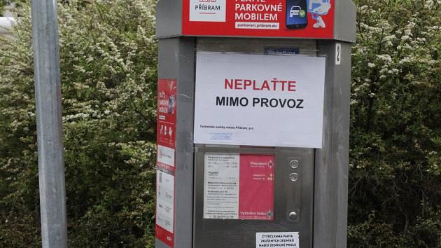 Po dobu trvání nouzového stavu se v Příbrami za parkování neplatí.