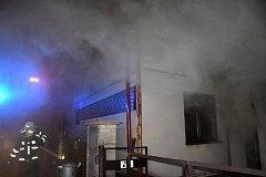 Středeční zásah při požáru rodinného domu na Zdaboři.