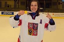 Kateřina Flachsová se zlatou medailí z MS Divize I.