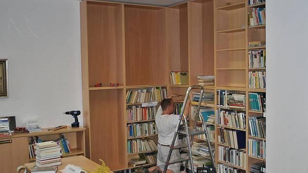 Modernizace knihovny v Bohutíně.