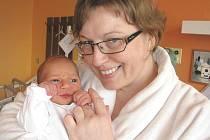 Erik Hrabec si pro příchod na svět vybral pondělí 21. února a v ten den vážil 3,13 kg a měřil 49 cm. Domů do Prahy si svého prvorozeného synka a jeho maminku Veroniku odveze tatínek Miroslav.