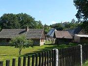 PÁTÝ ročník Dnů lidové architektury Čech, Moravy a Slezska bude letos zahájen v sobotu 15. července ve vysokochlumeckém skanzenu. O týden později ožije areál Dny řemesel.