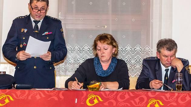 Činnost Sboru dobrovolných hasičů Hutě pod Třemšínem zhodnotil starosta Karel Sadílek.