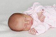 Natálie Holčíková se narodila 22. října s váhou 2,62 kg a mírou 49 cm Petře a Patrikovi z Příbrami.