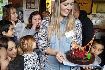 Nízkoprahové zařízení pro děti a mládež Bedna v Příbrami oslavilo již deváté narozeniny.