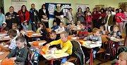 První cesta do školy v Jincích vedla z mateřské školy.