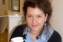 Aida Mujačic z Bosny vyučuje hudbu také žáky v Sedlčanech.