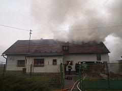 Požár domu v Zadním Poříčí.