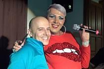 V sobotu 31. března se uskutečnilo již druhé vystoupení travesti skupiny Julia Show v Pivovaru Podlesí.
